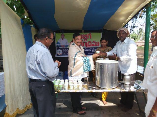 Dr Umar Alisha inaugurated Chalivendram ( Buttermilk & Water Kiosk) at Pithapuram on 9-4-2015