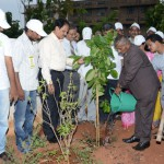 Andhra-University-Vice-Chancellor-G.S.N.-Raju-has-launched-the-tree-plantation-at-Andhra-University-Campus.-The-convener-of-the-UARDT-Dr.Ananda-Kumar-Pingali-AU-Registrar-Prof-V-Uma-Maheswara-rao-and-AU-staff-has-participated